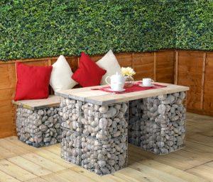 gabionkockákból asztal